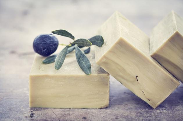 Pourquoi les savons à base d'huile lavent ?